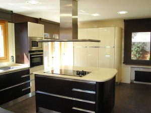 reforma-cocina-Negro en Tenerife